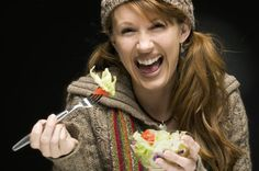 Don't be a boring salad! #Tips on how to spice up your greens. Make eating salad fun! #healthy