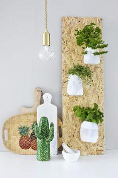 Lag et stilig oppheng til urtene dine - http://www.rom123.no/ide/heng-urtene-i-hoyden/