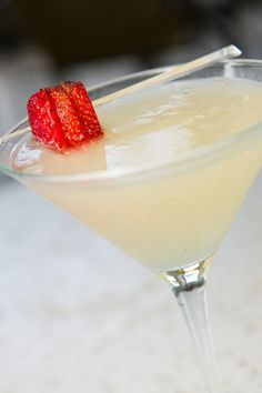 How to Make: Bella Pesca Peach Martini from Brio Restaurant.  Check out this recipe at http://www.cravelocal.com/food-drink/bella-pesca-peach-martini-brio-restaurant/