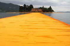 In anteprima sul lago d'Iseo: ecco com'è camminare sulla passerella di Christo - The Floating Piers, la nostra esperienza a due giorni dalla inaugurazione