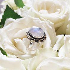 Full Moon - Rainbow Moonstone & Sterling Silver Ring – www.druzydreams.com boho ☾ bohemian ☾ jewellery ☾ jewelry ☾ silver ☾ sterling silver ☾ moonstone ☾ rainbow moonstone ☾ hippy ☾ hippie ☾ rings