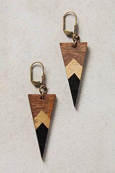 Deco Dagger Drops diy with my new gold leaf Wooden Earrings, Wooden Jewelry, Diy Earrings, Leather Earrings, Polymer Clay Earrings, Resin Jewelry, Leather Jewelry, Jewelry Crafts, Handmade Jewelry