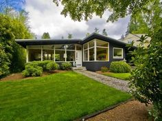Mid Century Modern home in Seattle, WA. http://www.retrorealtygroup.com