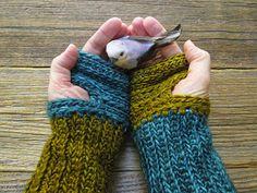 Polly Foo Foo: Mrs.Fitz Inspired Mini Mitts Crocheted Version Outlander - Free Pattern- Version 1.0