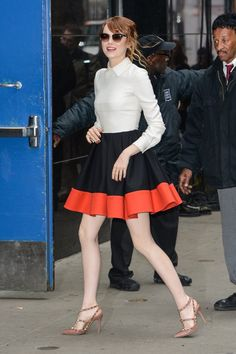 Pin for Later: Emma Roberts Makes Spring Dressing Look Easy Emma Stone Emma Stone entering the Good Morning America studio.