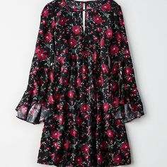 AE Swingy Floral Bell-Sleeve Dress ($50) ❤ liked on Polyvore featuring dresses, red, red shift dress, floral printed dress, shift dress, long dresses and bell sleeve shift dress