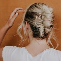 Brass Crescent Hair Pin How to dress up your hair and add polish instantly: add a hair pin Bobby Pin Hairstyles, Summer Hairstyles, Diy Hairstyles, Straight Hairstyles, Beehive Hairstyles, Ladies Hairstyles, Hairstyle Ideas, Bronze, Trending Hairstyles