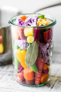 My Quick Rainbow Giardiniera is a colorful riff on the classic Italian relish ~ Enjoy these pickled vegetables as a healthy snack, side dish, or appetizer. Pickled Vegetables Recipe, Marinated Vegetables, Vegetable Appetizers, Vegetable Snacks, Relish Recipes, Snack Recipes, Fermentation Recipes, Fermented Foods