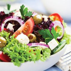 8 Ways to Make a Super Healthy Salad (Infographic)