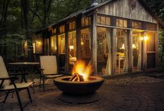 Glass House Cabin - Candlewood Cabins is a unique getaway retreat hidden in the beautiful hills of southwest Wisconsin's Ocooch Mountains. Find yourself surrounded by nature. Indulge in a whirlpool bath or warm up by the woodstove fire. ...   - photos : candlewoodcabins -- has an awesome 'outhouse'. ;)