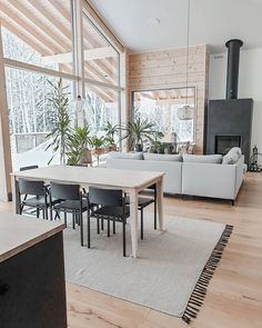 Wood House Design, Cabin Interiors, Koti, Cabin Homes, House In The Woods, Dining Table, Cottage, Summer, Inspiration
