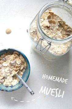 Homemade Muesli -- make this healthy breakfast favorite at home with ingredients you likely have on hand! // neverhomemaker