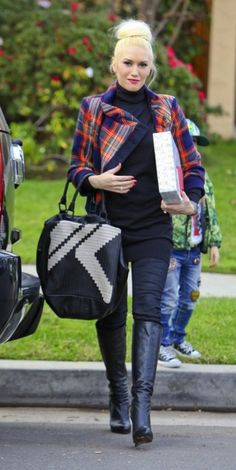 Gwen Stefani in a really cute plaid blazer. She is friggin gorgeous.