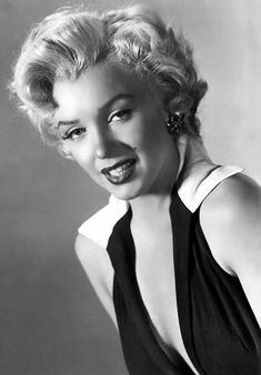 Glaucia Fotos uploaded this image to & MONROE& See the album on Photobucket. Marilyn Monroe Photos, Marylin Monroe, Andy Warhol, Pop Art, Miss America, Classic Actresses, Hollywood Actresses, Norma Jeane, Messy Hairstyles