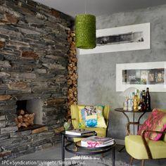 Die Wandgestaltung rund um den Kamin ist entscheidend für die Stimmung, die im Kaminzimmer vorherrscht. Hier wurde ein Wand aus Stein gewählt, die den Kamin säumt: …