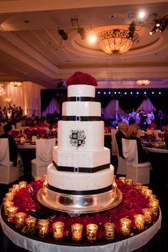 Love everything in the background. Lighting is gorgeous - love the presentation of the cake, but not the cake itself.