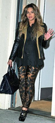 Love the animal print leggings....even as a mommy to be, B looks amazing!