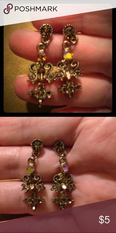 """🌷IRIDESCENCE DANGLE EARRINGS 🌷. NWOT 1 1/2"""" VICTORIAN STYLE (REALLY SPARKS) Jewelry Earrings"""