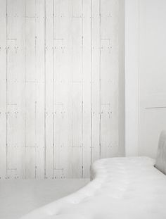 The White Bookshelf wallpaper features white books on white shelves for a bright minimalist look. It can be used to create a stunningly contemporary feel White Bookshelves, White Shelves, White Wallpaper, I Wallpaper, Wallpaper Ideas, Muted Colors, Accent Colors, White Walls, Sweet Home