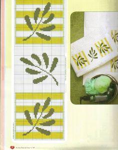 Toalhas Cross Stitch Heart, Cross Stitch Borders, Modern Cross Stitch, Cross Stitch Flowers, Cross Stitch Designs, Cross Stitching, Cross Stitch Embroidery, Hand Embroidery, Cross Stitch Patterns