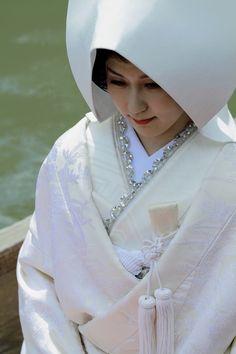 "500px / Photo ""White bride"" by Hiroshi Oka"