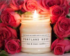 Portland Rose bougie  bougie de soja tout par waxandwanecandles