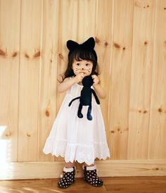 Very lovely cat girl Cute Asian Babies, Asian Kids, Cute Babies, Kids Winter Fashion, Kids Fashion, Cute Little Things, Little Ones, Kids Girls, Baby Kids