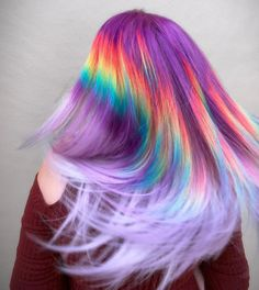 The ombre hair trend has been seducing for some seasons now. More discreet than tie and dye, less classic than sweeping, this new technique of hair. Hair Color Dark, Ombre Hair Color, Cool Hair Color, Lavender Hair, Lilac Hair, Peach Hair Dye, Unicorn Hair Dye, Unicorn Makeup, Pulp Riot Hair Color