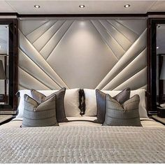 This is a Bedroom Interior Design Ideas. House is a private bedroom and is usually hidden from our guests. However, it is important to her, not only for comfort but also style. Much of our bedroom … Luxury Bedroom Design, Master Bedroom Design, Home Decor Bedroom, Bedroom Ideas, Bedroom Furniture, Furniture Design, Bedroom Designs, Bedroom Interiors, Budget Bedroom