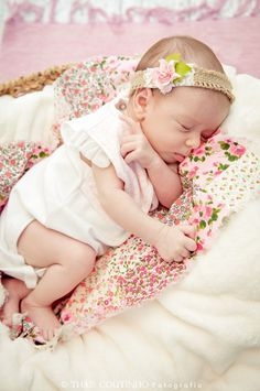 baby girl photo shoot, 1 month old floral