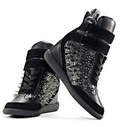 Artemys spike sneakers.