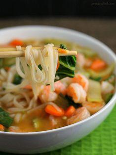 Asian Rice Noodle Soup with Shrimp – The Weary Chef - Reisnudeln Rezepte Shrimp Noodles, Shrimp Soup, Asian Noodles, Rice Noodles, Thai Shrimp, Thai Noodles, Shrimp Recipes, Soup Recipes, Dinner Recipes