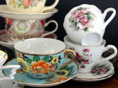 This is a bulk listing for 6 Matching Sets Cups and Saucers Lot - Tea Party or Vintage Wedding Favors - Bulk Teacups  In good condition - no chips, crack or significant damages, just general wear. Standard sizes, no demitasse in this lot. English, Japanese and Unmarked pieces.  Posting these to the USA lower 48 only, thanks so much.   We will ALWAYS combine and refund shipping overages for bulk teacup lots. We recycle packaging materials and/or buy wholesale and pass ALL savings on to ou...