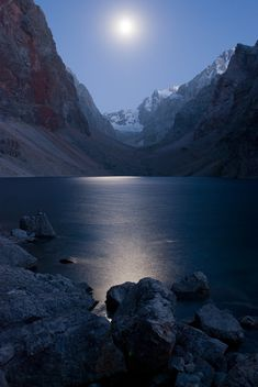✯ Moonlight on the lake