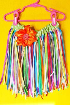 ribbon hula skirt... Lena Bean would love this!
