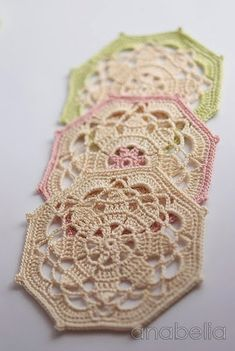 Crochet coasters sets by Anabelia.these are the ones that I first learn to crochet with my gran :) :) Crochet Diy, Crochet Motifs, Crochet Blocks, Crochet Squares, Crochet Home, Thread Crochet, Love Crochet, Crochet Crafts, Crochet Doilies