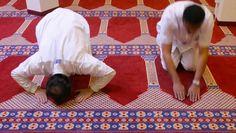 Das Gebet ist im Islam auch der Moment, an dem sich der Niederwerfende der Sterblichkeit seines Leibes erinnert.
