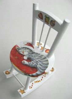 Hand painted cat and decorated rocking chair is absolutely gorgeous. Hand Painted Chairs, Funky Painted Furniture, Art Deco Furniture, Paint Furniture, Furniture Makeover, Furniture Chairs, Black Furniture, Distressed Furniture, Farmhouse Furniture
