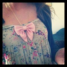 """French Satin Sweetheart Bowtie Necklace 
