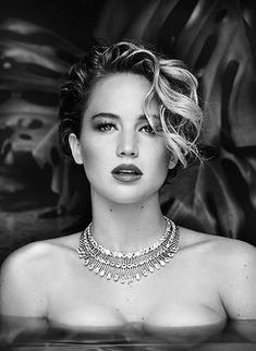 I find Jennifer,to be one of the best performers and I believe she will be as iconic as Marilyn Monroe ,Lauren Becall ,she is not perfect and that's very attractive in today's women. You Rock Jeniffer. Hollywood Celebrities, Hollywood Actresses, Le Style Jennifer Lawrence, Jenniffer Lawrence, Jenifer Lawrens, Happiness Therapy, Katniss Everdeen, Gal Gadot, Beautiful Actresses