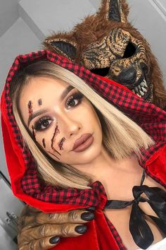 Having a hard time finding unique Halloween costumes for couples? We've got 45 to start with that hopefully should give you a little inspiration . Cute Halloween Costumes For Teens, Couples Halloween, Unique Couple Halloween Costumes, Best Couples Costumes, Looks Halloween, Diy Costumes, Pirate Costumes, Couple Costumes, Halloween Diy
