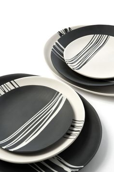 Set of 4 dinner plates. Handcast dinnerware in colored porcelain. Each piece is made by hand with white and black porcelain slip. diameter Dishwasher and microwave safe Handmade so slight variations occur Made in USA Made to Order- Ships in Pottery Painting Designs, Pottery Designs, Modern Dinnerware, Dinnerware Sets, Black Dinnerware, Ceramic Tableware, Porcelain Ceramics, Porcelain Dinnerware, Dinner Plate Sets