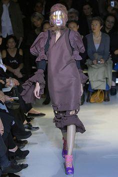 Comme des Garçons Spring 2008 Ready-to-Wear Fashion Show - Uliana Tikhova