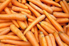 Vegetable- Keep your nourishment and both at aces. Consume fresh carrots in winter which is rich in an essential protein called beta carotene. Healthy Diet Tips, Healthy Nutrition, Healthy Food, Beta Carotene, Seasonal Food, Natural Supplements, Food Facts, Biotin, Nutritional Supplements