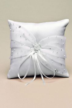 Morelle mariage - Robe de Mariée : Coussin porte Alliances Satin et Organza 39022 Ring Bearer Pillows, Ring Pillows, Wedding Pillows, Ring Pillow Wedding, Crochet Cushions, Throw Cushions, Wedding Dress Quilt, Bed Cover Design, Bridal Accessories