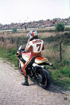 Training Circuit TT Assen 1977 Barry Sheene tweetakt race motor
