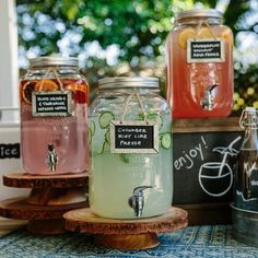 DIY Self Service Drink Bar for Outdoor Wedding Ideas - DIY Free for H .DIY self-service drink bar for outdoor wedding ideas - DIY Free for wedding ideas im Wooden Sign Mint and Drink Bar, Bar Drinks, Beverages, Beverage Bars, Alcoholic Drinks, Wedding Catering, Party Planning, Wedding Planning, Trendy Wedding