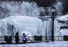 Niagara Falls Freezes,stunning images of nature