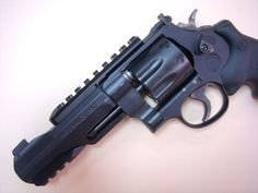 Smith & Wesson 327 TRR8 Performance center