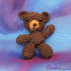 Crochetingrid: Ingyenes horgolt amigurumi maci minta Crochet Horse, Dinosaur Stuffed Animal, Mac, Teddy Bear, Toys, Animals, Amigurumi, Creative, Activity Toys